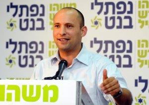 מפלגתו הצביע נגד התיקון לחוק שירותי הביטחון. נפתלי בנט והבית היהודי