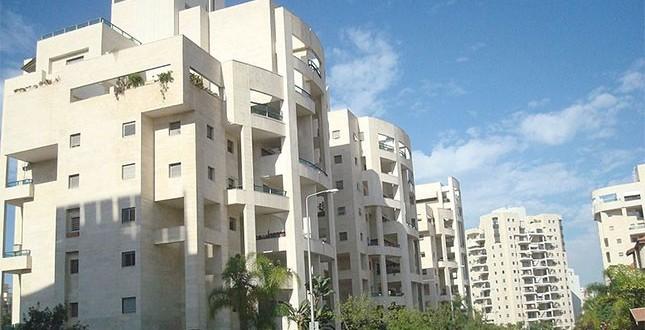 השר יואב גלנט: חסרות כ-100,000 דירות כדי לענות לביקוש